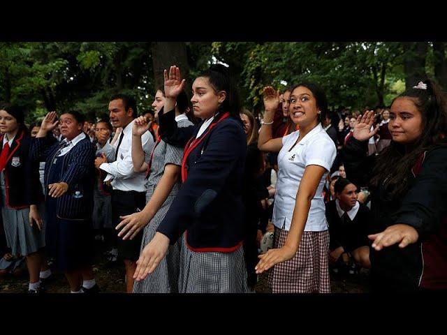 <span class='as_h2'><a href='https://webtv.eklogika.gr/nea-zilandia-ka-mate-ka-mate' target='_blank' title='Νέα Ζηλανδία: «Ka mate, Ka mate»'>Νέα Ζηλανδία: «Ka mate, Ka mate»</a></span>