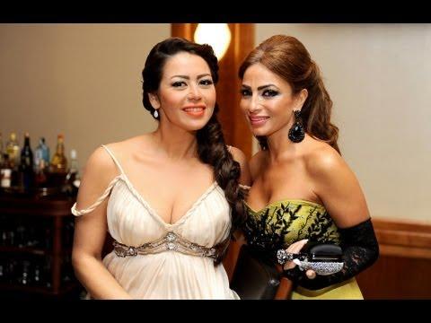 لقاء الخميسى تقدم جائزة أفضل ممثلة فى مهرجان تايكى 2012