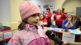 Ребята из детских домов довели пермяков до слез(Сотни горожан получили трогательные подарки от ребят из детских домов, приютов и больниц. Порадовать пермя..., 2014-12-16T07:57:39.000Z)