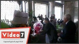 بالفيديو.. رئيس الحزب الطليعى الناصرى بالعراق يقرأ الفاتحة على ضريح عبد الناصر