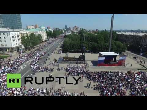 Ukraine: Massive protest in Donetsk rallies against armed OSCE mission in E.Ukraine