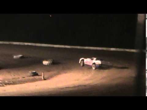 Bug Day Clinton County Speedway 5-9-2014 AY pro stock 3 wheeling