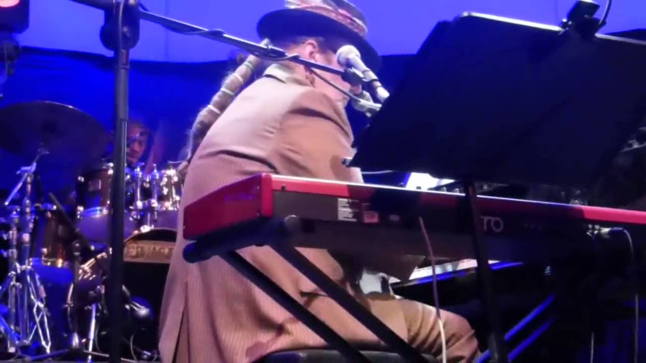 Dr john the nite trippers such a night madrid sala for Sala shoko conciertos