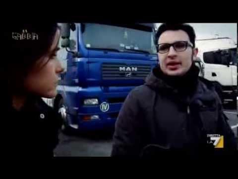 La gabbia - Il contratto bulgaro (15/01/2014): http://www.lagabbia.la7.it/ Ad un camionista la propria azienda (italiana) ha proposto un contratto a condizioni bulgare. (servizio di Cristina Scanu)