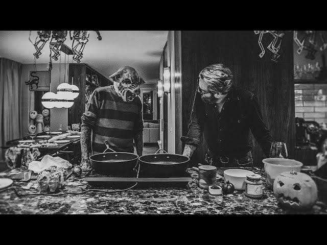 Happy Halloween: FANGtastic vegan cooking with Rob Krueger & Leatherface Leen
