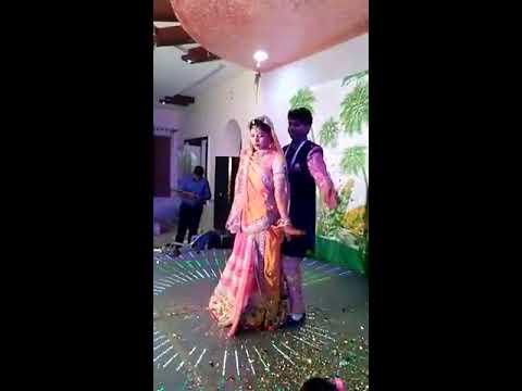Couple dance in ladies songeet mai tere kabil hu ya nahi and sab tera