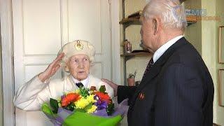 Поздравление с Днем Победы ветерана Инны Смеловой