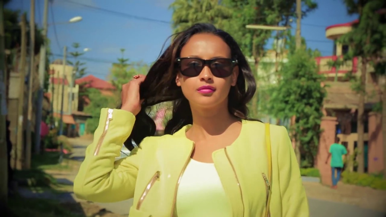 Ethiopian Music: አብርሃም አየለ (የኔ ቆንጆ ኑሪ በእኔ አለም ኩሪ) - New Ethiopian Music 2018(Official Video)