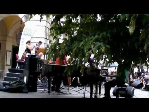 Lisboa na Rua - Largo de São Carlos  Orquestra Jazz de Matosinhos - Piano com Gonçalo Moreira