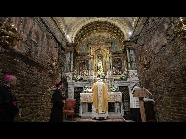 Toàn bộ chuyến viếng thăm Đức Mẹ Loreto của Đức Thánh Cha trong một phút