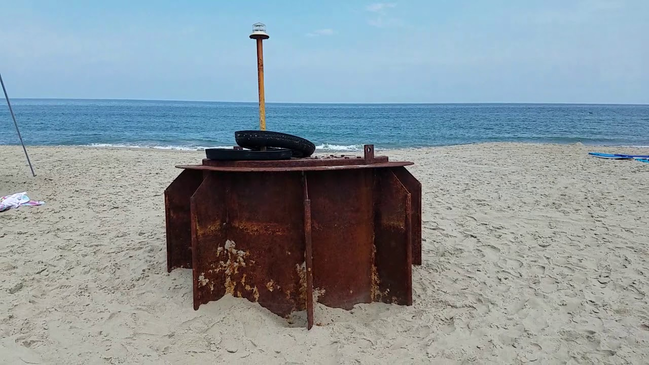 Mysterious Object Washes Ashore Along Nc Outer Banks Corolla Charlotte Observer