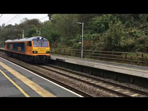 Orange & Blue Lightning - GBRf 92028 (with 66702) returns to freight workings (0L48/6L48)