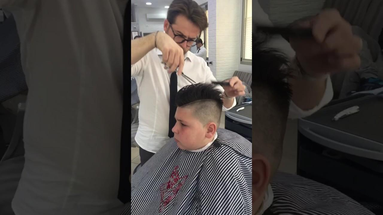 Sfoltire i capelli lunghi uomo
