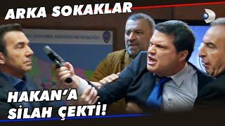 Arif Müdür, Hakan'a Silah Çekti! - Arka Sokaklar 574. Bölüm