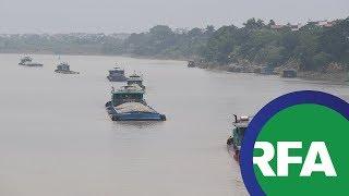 Việt Nam tiếp tục khai thác cát: Môi trường sống bị ảnh hưởng thế nào?