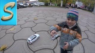 Мальчик играет/Игры машинкой/Маленький танец от Mister Simion