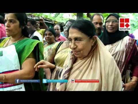 Actor Dileep at Mukkam to see Kanchanamala