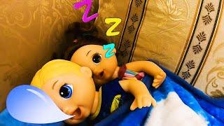 ZURI JUEGA A LA COMIDITA🥪🥓🥩LOS BEBES TIENEN MUCHA HAMBRE |ZURI SOL   *Baby alive* Sara y luke