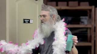 #birthdayfail: Jase Robertson forgets Uncle Si's Hallmark card