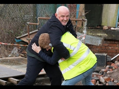 Coronation Street - Gary & Phelan Fight