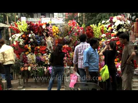 Artificial flowers for home decoration : Lajpat Nagar Market