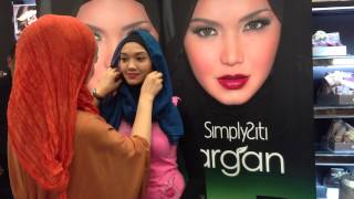 SimplySiti Scarf Tutorial during Meet & Greet at AEON Cheras Selatan Thumbnail