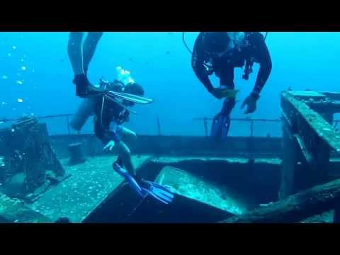 Carthaginian sunken ship dive December 2011 on Maui