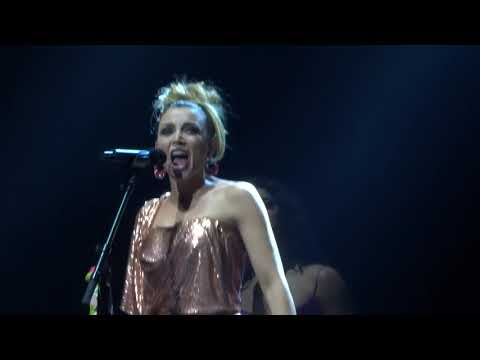 Dannii Minogue  Stupid GirlI Begin to Wonder  171117 Sydney
