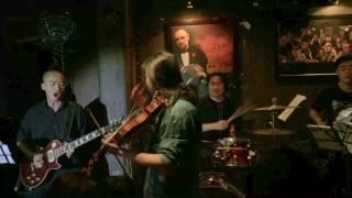 Ngẫu hứng ngựa ô - Violin Rock version - Tu Xin