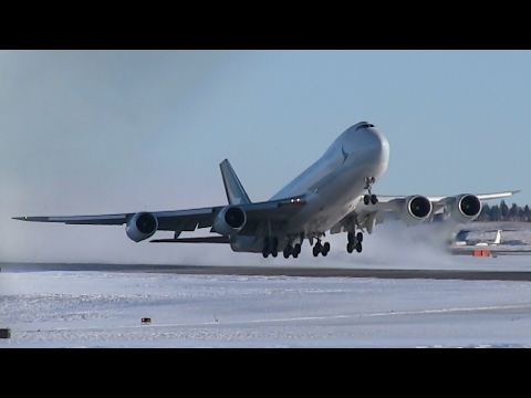 Crosswind! Cathay Pacific Cargo 747-867F [B-LJN] Pushback, Taxi, and Takeoff from Calgary Airport ᴴᴰ