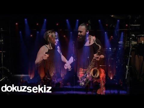 Sezen Aksu & Korhan Futacı Ve Kara Orkestra Zorlu Center Konseri - Alice