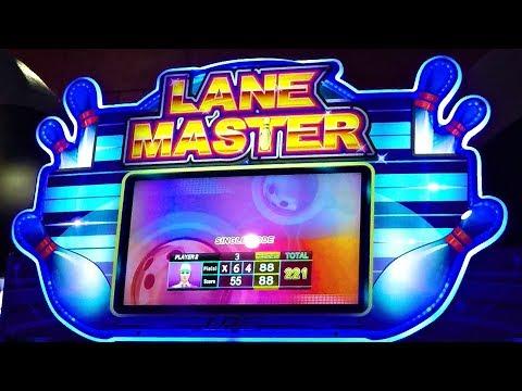 arcade-game-mini-bowling-kids-challenge---lane-master!