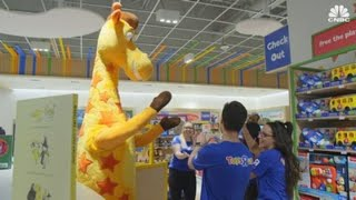 Toys R Us Opens First Store Since Its Bankruptcy In 2017