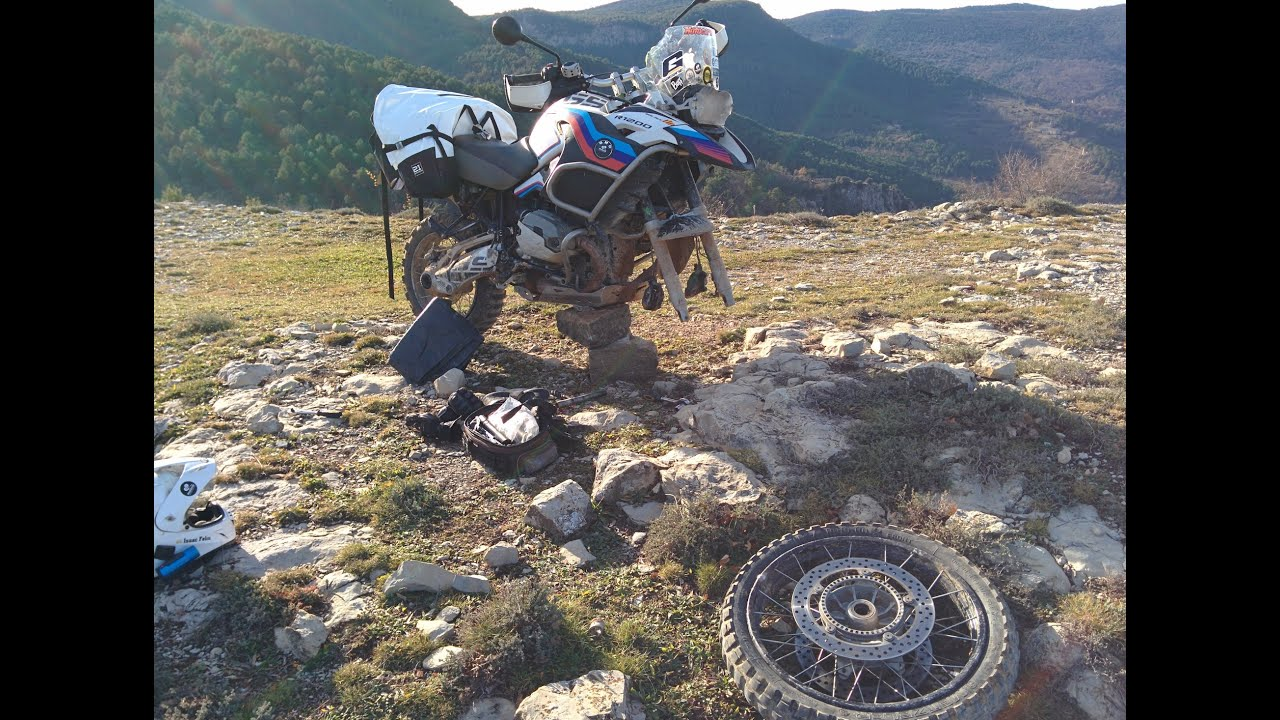 Howto Repair Front Tire Flat In The Wild On Your Bmw R