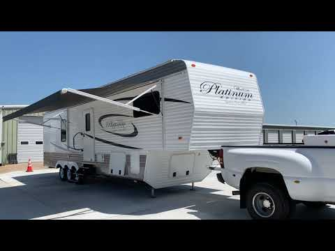 2017 WHITE MONTE CARLO RECREATION BY DESIGN (5CZ300R39H1) , located at 17760 Hwy 62, Morris, OK, 74445, (918) 733-4887, 35.609104, -95.877060 - Photo #0
