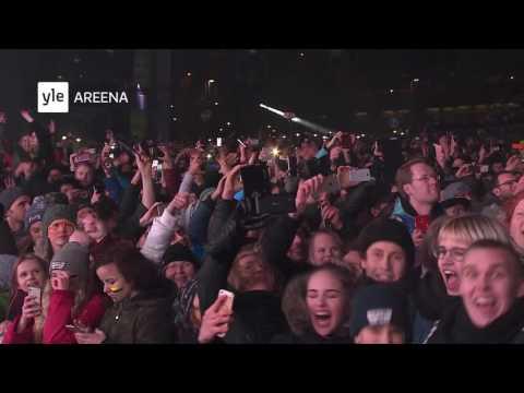 Darude - Sandstorm NYE 2016 countdown & fireworks in Helsinki, Finland