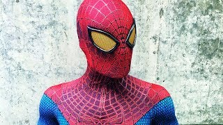Becoming Spider-Man (THE AMAZING SPIDER-MAN 1 COSTUME)