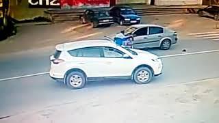 видео момента, как сбили девочку в Сыктывкаре