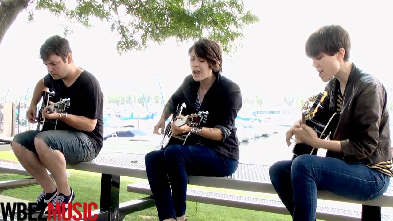Tegan and Sara perform The Ocean acoustic for WBEZ Music - YouTube