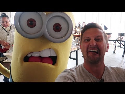 We Ate Breakfast With The Minions At Universal Orlando | Despicable Me Character Breakfast Review