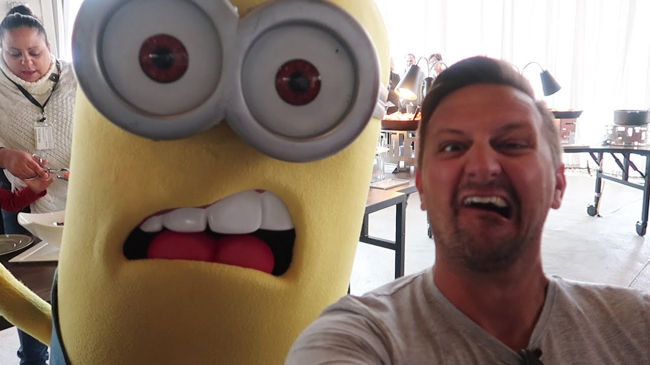 We Ate Breakfast With The Minions At Universal Orlando Despicable