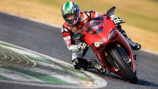 Motorcycle Body Position - How to move on your motorcycle when cornering