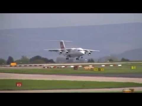 Swiss BAE146 HB-IXW On LX394 Very Dangerous Landing Near Crash At Manchester 26/04/2014