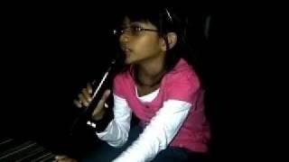 Farzana Karaoke Di Saat Aku Mencintaimu