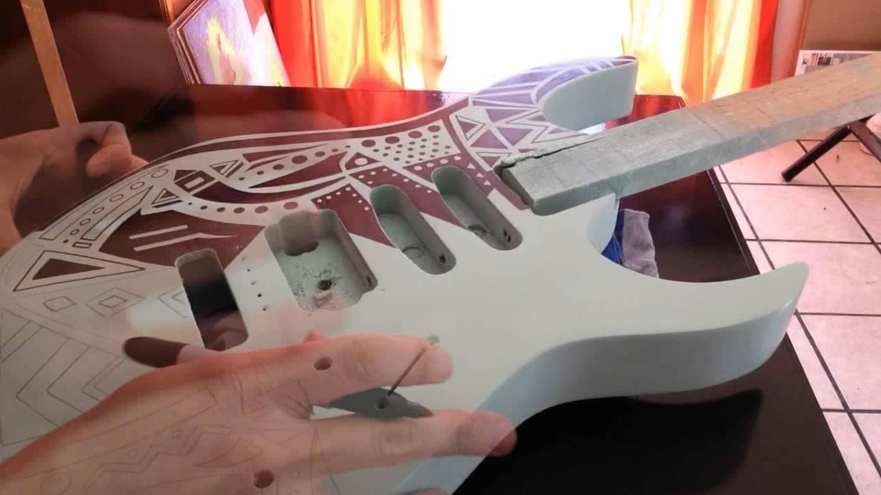 Sorprendente Diseño Para Guitarra Con Marcador Permanente