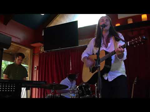 video:Anthony Arya - The Road (Live at Michael's on Main)