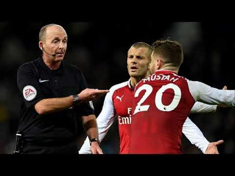 Arsenal Arsene Wenger accuses Mike Dean of seeing things