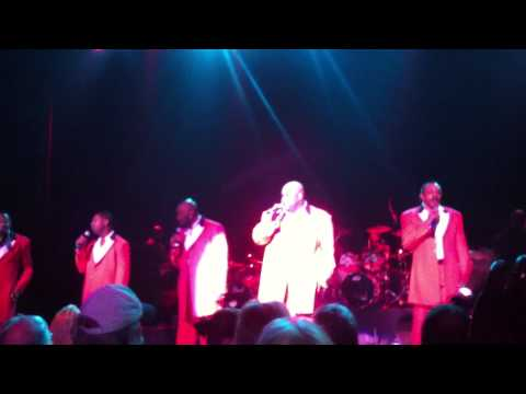 The Temptations sings Silent Night