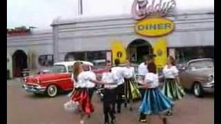 Rock 'n Roll / Jive Choreography and synchronous dance Bill Haley's Rock around the clock.