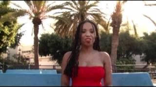Elisete- Sentada na praca (Video clip edited by Shira Arad)